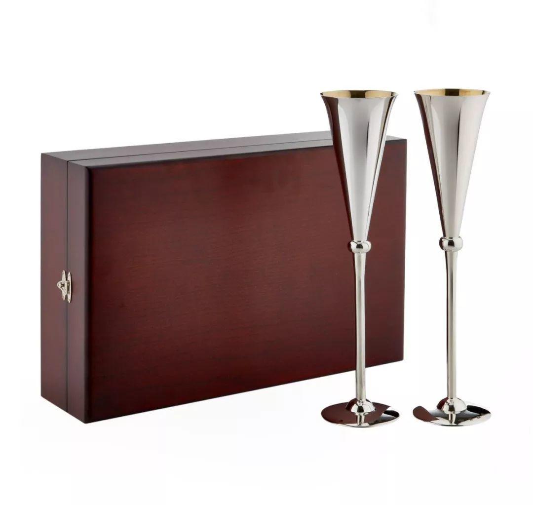 贵 不可及的香槟杯们