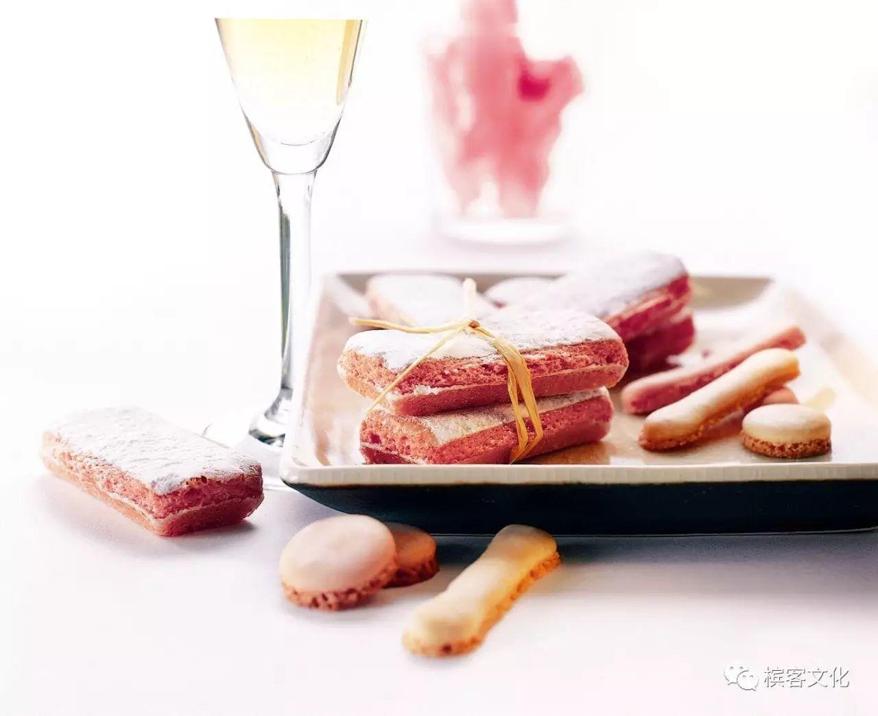 听说喝香槟要加草莓才够味?