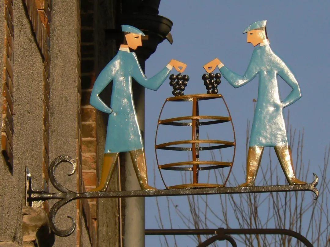 香槟旅行终极目的地:唐·培里侬修道院和奥维莱尔小镇