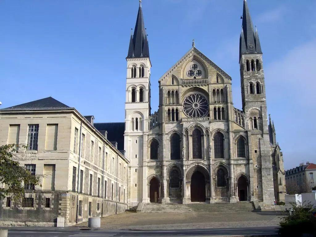 开放空间的沉浸式艺术体验|兰斯大教堂主题灯光秀强势回归!