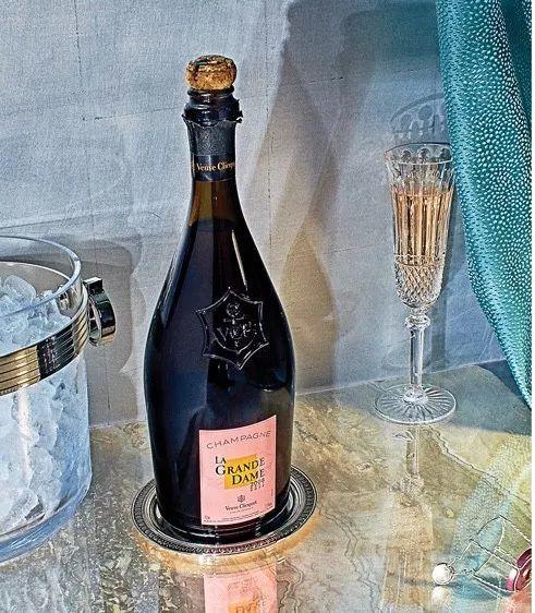 收集|你的餐桌有点空,正需要一个绝美的香槟瓶垫!