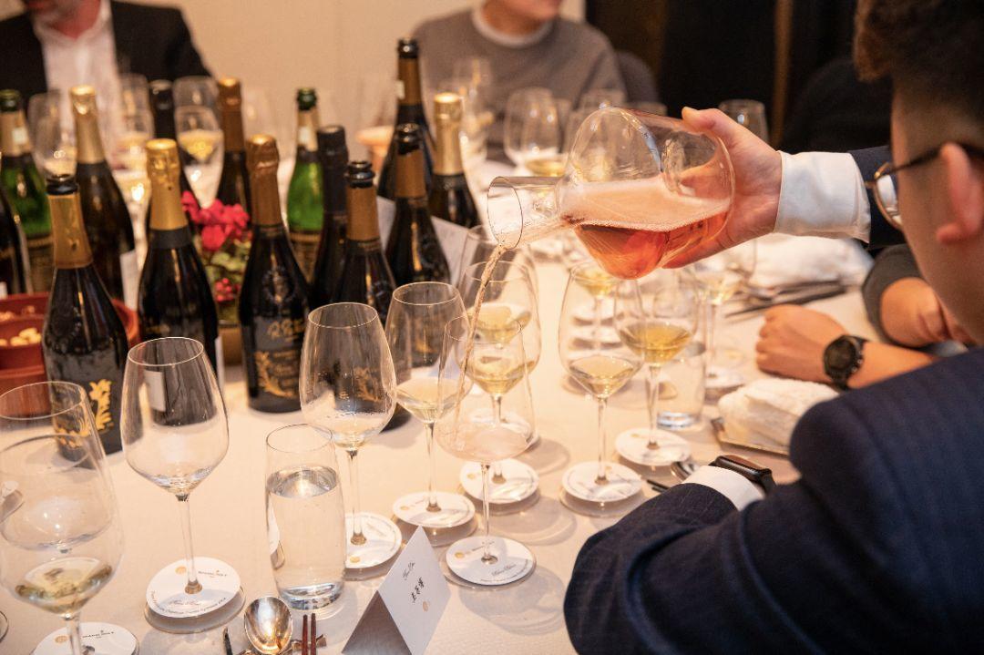 新荣记:中餐厅里最棒的香槟酒单,就在这家米其林三星