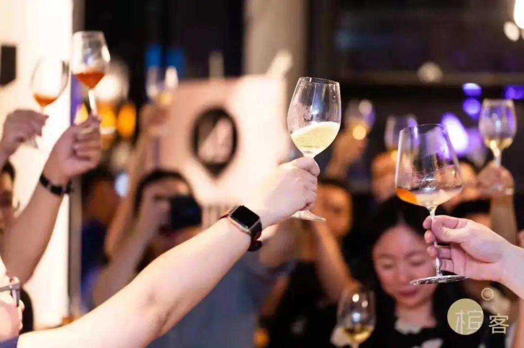 槟客招聘 | 8 个职位开放中,等你一起喝香槟!